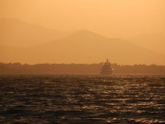 Kipriotis Hippocrates Hotel: Plaża zachód słońca
