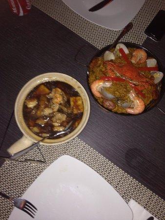 Oyster Bay Seafood Restaurant: Mixed Seafood Hot Pot, not good