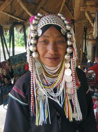 Dusit Island Resort Chiang Rai: Villaggio tribale - Donna Etnia Akha