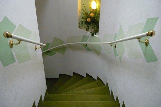 Scherer Hotel: Идем по лестнице.))))