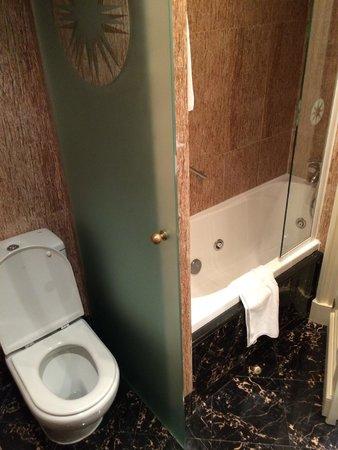 Gran Melia Fenix: Bathroom