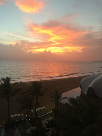 La Concha Resort: A Renaissance Hotel: Sunrise view