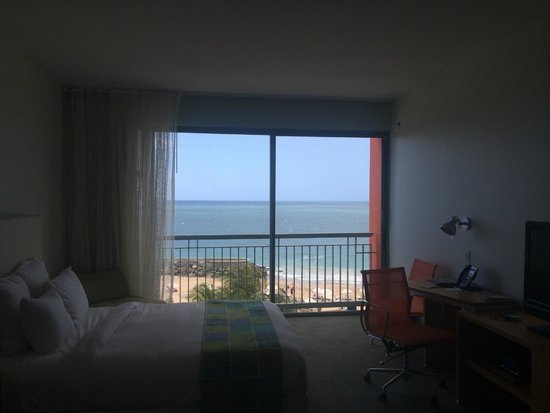 La Concha Renaissance San Juan Resort: Oceanside view