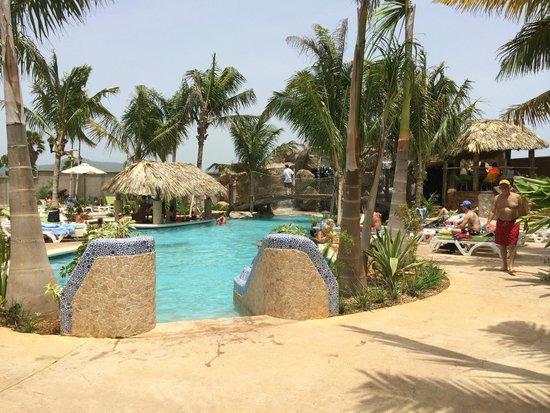 Jimmy Buffett's Margaritaville : Pool area