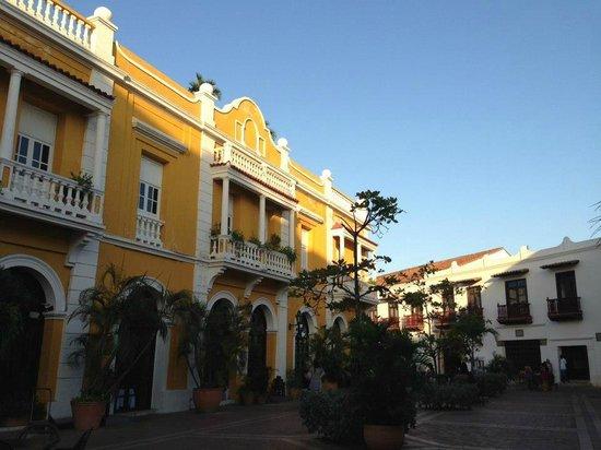 Cathédrale : Plaza de san pedro