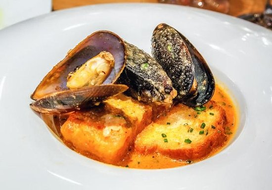 Miguel Torres Restaurante de Vinos: Hake with Romesco and Mussels