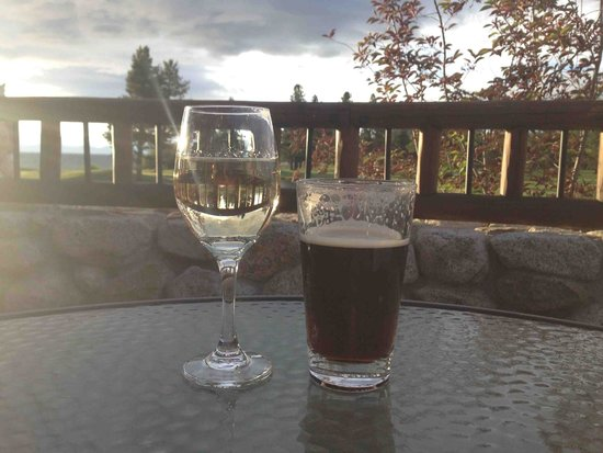 Brooks' Bar & Deck at Edgewood Tahoe : Drinks from the patio