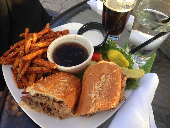 Brooks' Bar & Deck at Edgewood Tahoe: French Dip with loads of thinly sliced Roast Beef and sweet potato fries