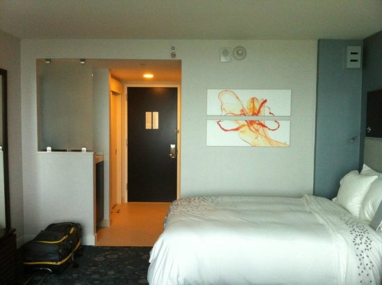 Renaissance Arlington Capital View Hotel: Room