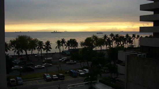 G Hotel Manila by Waterfront: Balcany view
