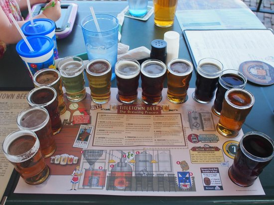 Titletown Brewing Company: Beer sampler