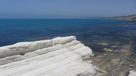 Bed and Breakfast Mediterraneo Mare e Sole: punta bianca, a 10 min di auto dal b&b