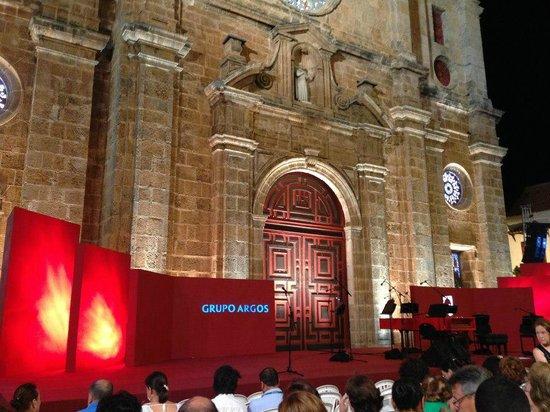 Santuario de San Pedro Claver: atrio en festival