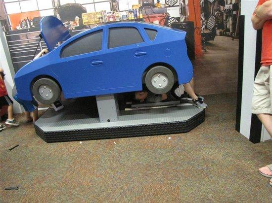"""Omaha Children's Museum: """"Car"""" Repair"""