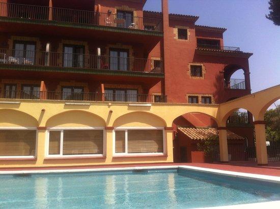 Hotel Canal Olimpic: Вид на отель