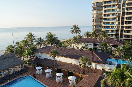 Beachcomber Resort and Villas: ocean view