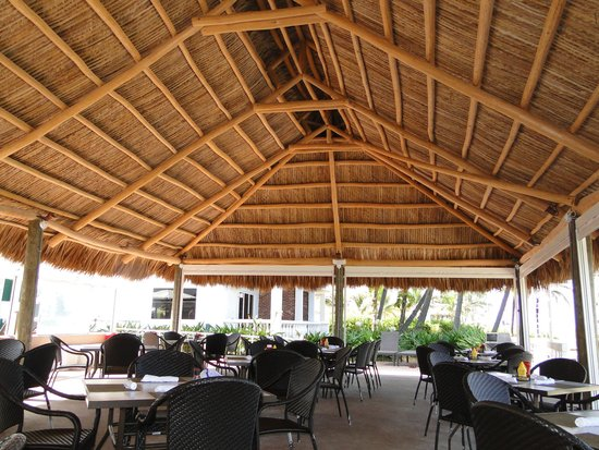 Beachcomber Resort and Villas : restaurant