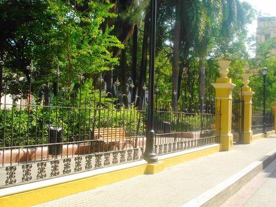 Plaza Bolivar : Cerramiento hace rato