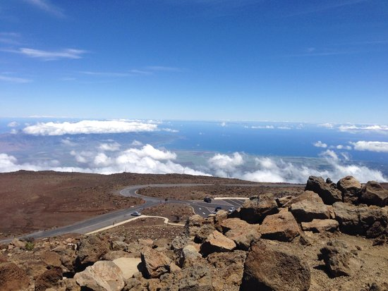 Haleakala Highway (Crater Road): View from the top !