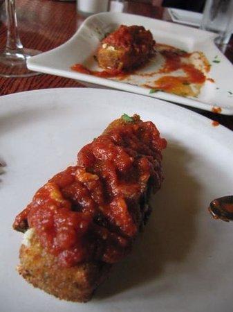 Pietrasanta Restaurant: fritierte Mozarellastäbchen mit Tomatensauce!��