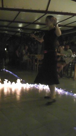 Avgoustis : Greek dancing with fire