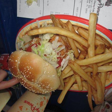 Cosmic Ray's Starlight Cafe : Chicken Sandwich