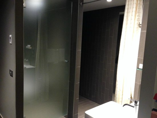 Rydges Sydney Airport Hotel: Bathroom