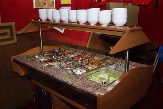 China Restaurant : The salat bar.