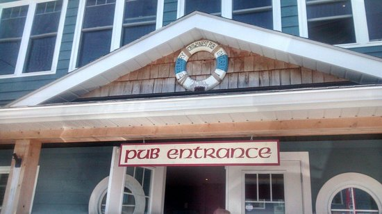 Crowsnest Pub : Entrance