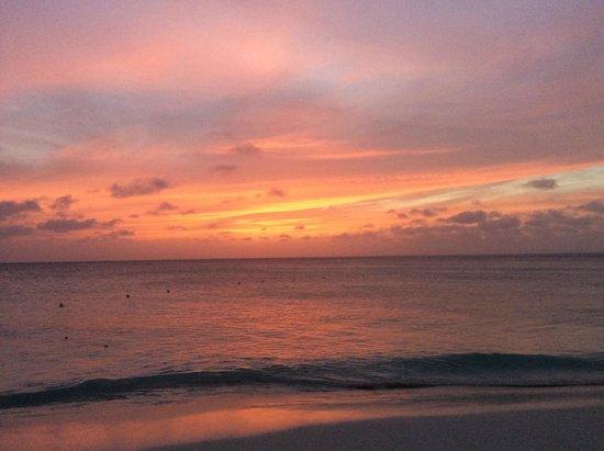Tropicana Aruba Resort & Casino : Sunset off Eagle Beach