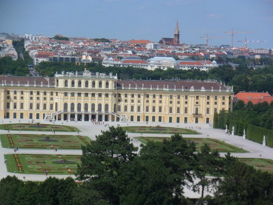 Schloss Schönbrunn: Viena ao fundo do Palácio