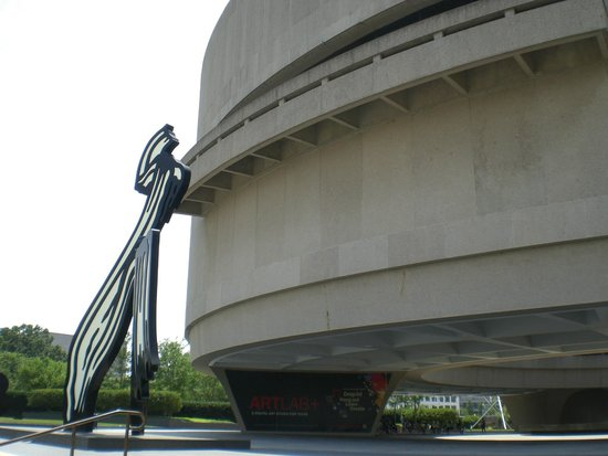 Sign Near The Front Area Of The Museum Picture Of Hirshhorn Museum And Sculpture Garden