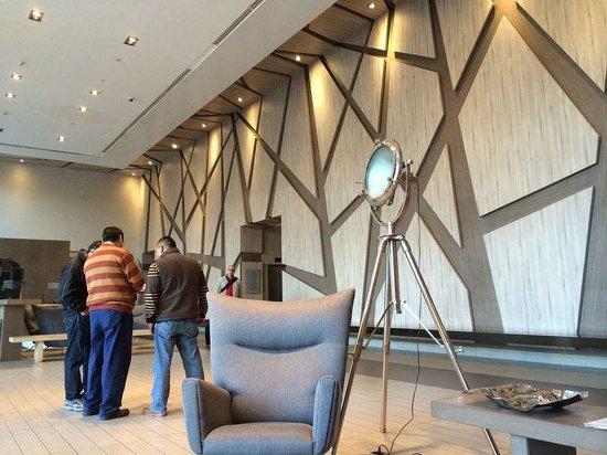 Atton Vitacura: Entrada do hotel