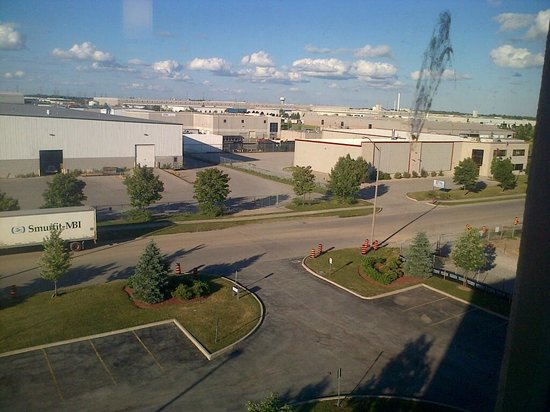 Holiday Inn Express & Suites Milton: View from 5th floor complete with bird poop