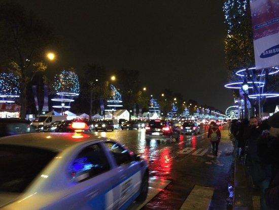 Champs-Elysees: Champs Elysees - Christmas market