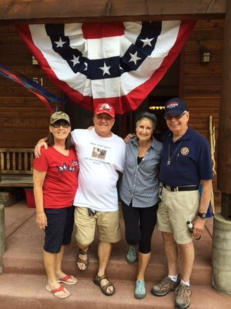Rams Horn Village Resort: 4th of July friends