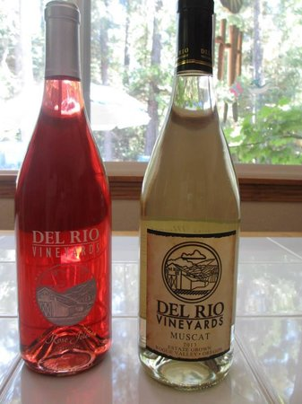 Del Rio Vineyards & Winery : Our Wines.