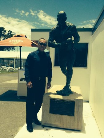 Gold Coast Turf Club: Statue of Peter Gallagher (First Emperor of Lang Park)