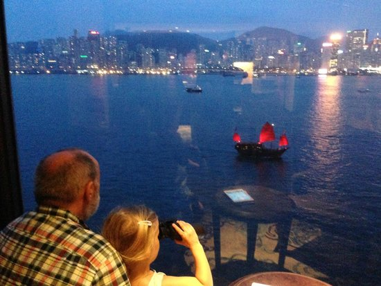 Kowloon Shangri-La Hong Kong: Horizon club views
