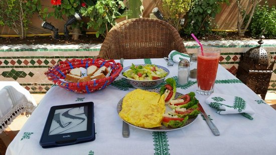 Riad Hikaya : I ordered lunch one day  - biggest omelette I have ever seen!