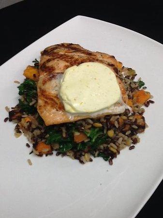 Medora Muskoka Cuisine : Scottish Organic Salmon