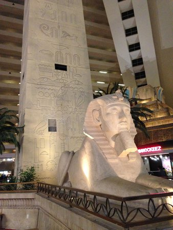 Luxor Las Vegas : Inside decor