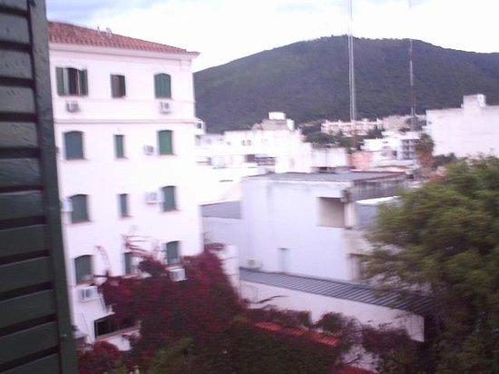 Hotel Salta: Vista desde habitación en piso 4