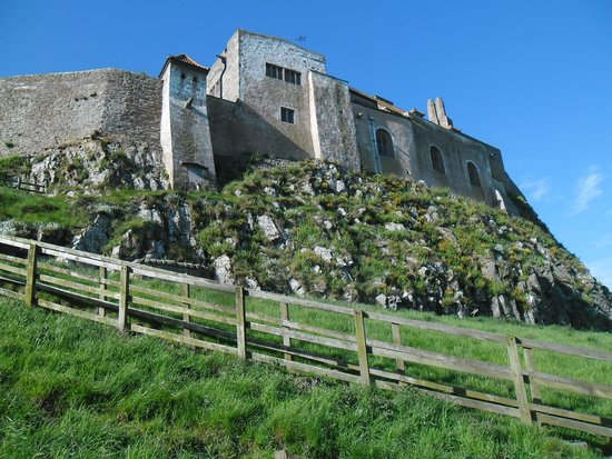 Holy Island, UK: Impressive Castle