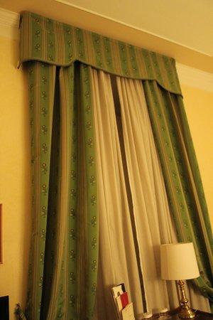 Bettoja Massimo D'Azeglio Hotel: Big Window