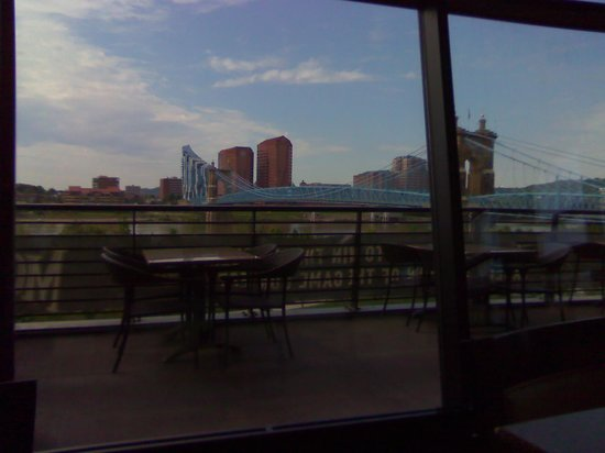 Moerlein Lager House: View of Bridge from our seats