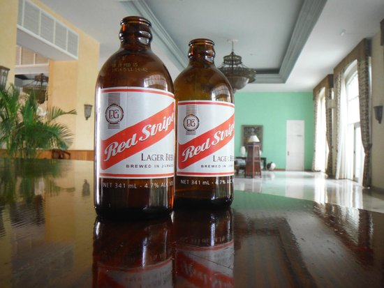 Iberostar Rose Hall Beach Hotel: red stripe