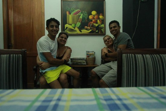 Casa Maritza y Manolo: Comedor con las mejores mujeres de Cuba!