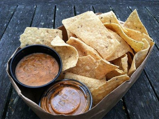 The Limp Lizard Bar & Grill: Chips and Hot Salsa...  Yowch !!