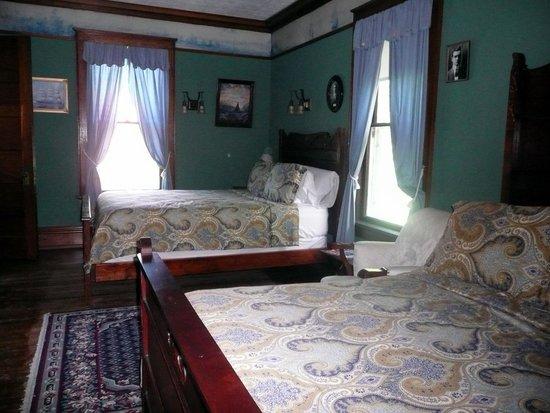 Laurium Manor Inn : room 4